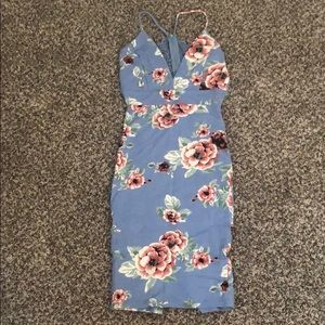 Dresses & Skirts - Never worn floral knee length fitted dress